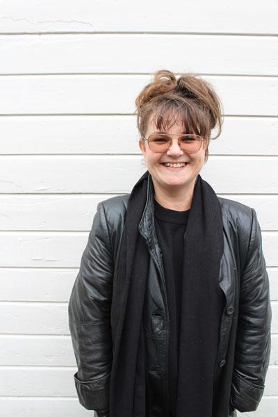 Jennie Rydén, regisserar och undervisar i scenframställning